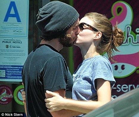 Rooney Mara BoyfriendRooney Mara Boyfriend