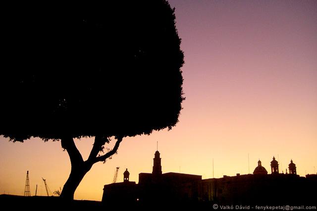 Máltai naplemente