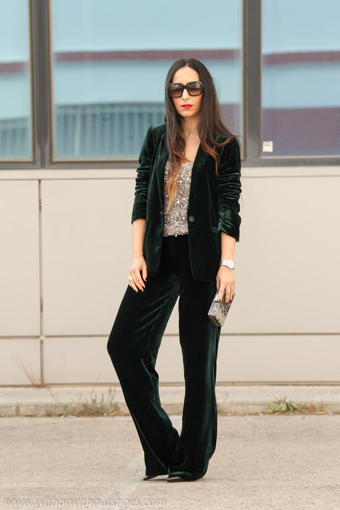 BLogger de moda valenciana con propuesta idea outfit elegante para salir fiesta traje dos piezas terciopelo verde