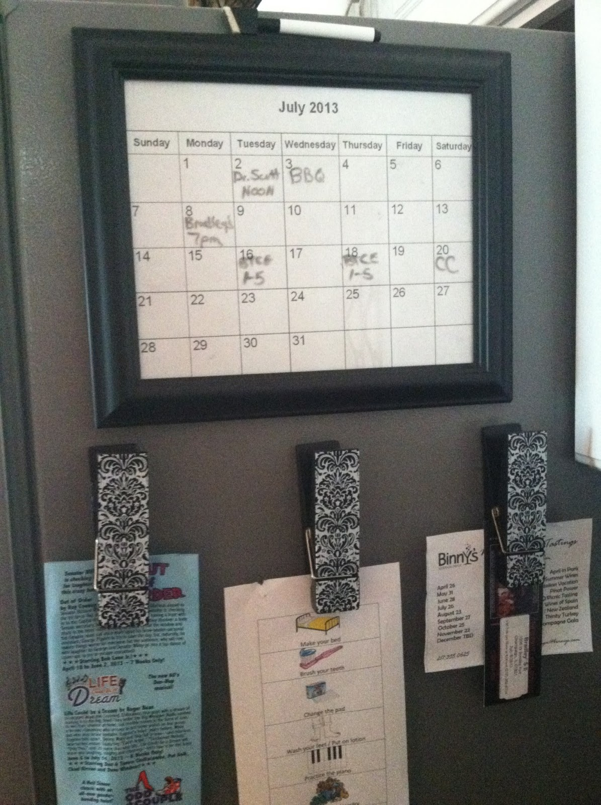 Diy Refrigerator Calendar : The smart momma diy dry erase calendar