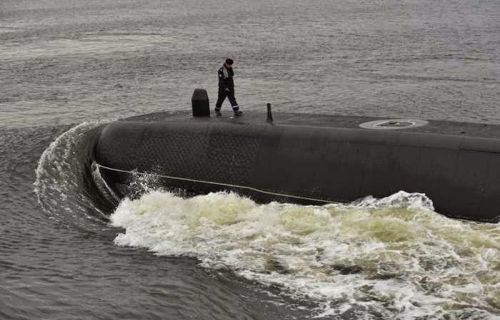 http://www.armada.cl/armada/noticias-navales/submarino-simpson-conmemoro-30-anos-de-servicio-en-la-armada/2014-10-01/114239.html