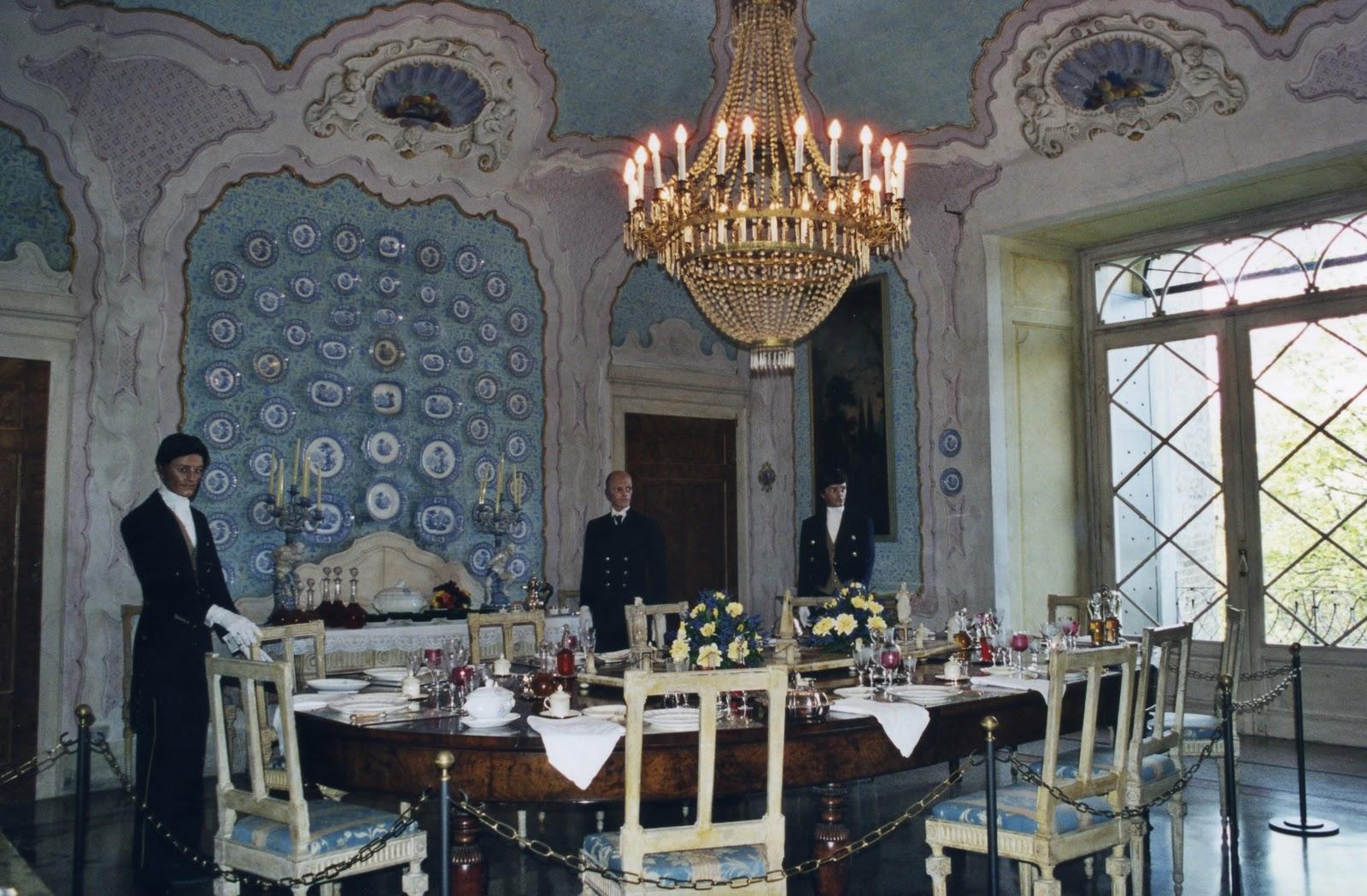 : € 8 00 (comprende Ingresso Mostra E Visita Guidata Al Castello #7E774D 1600 1050 Sala Da Pranzo Antica E Moderna