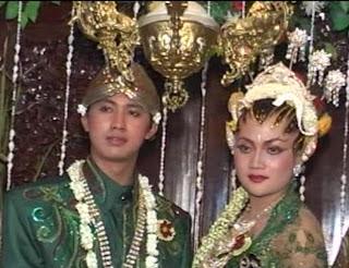 Tata Rias PAES AGENG untuk Pengantin Jawa