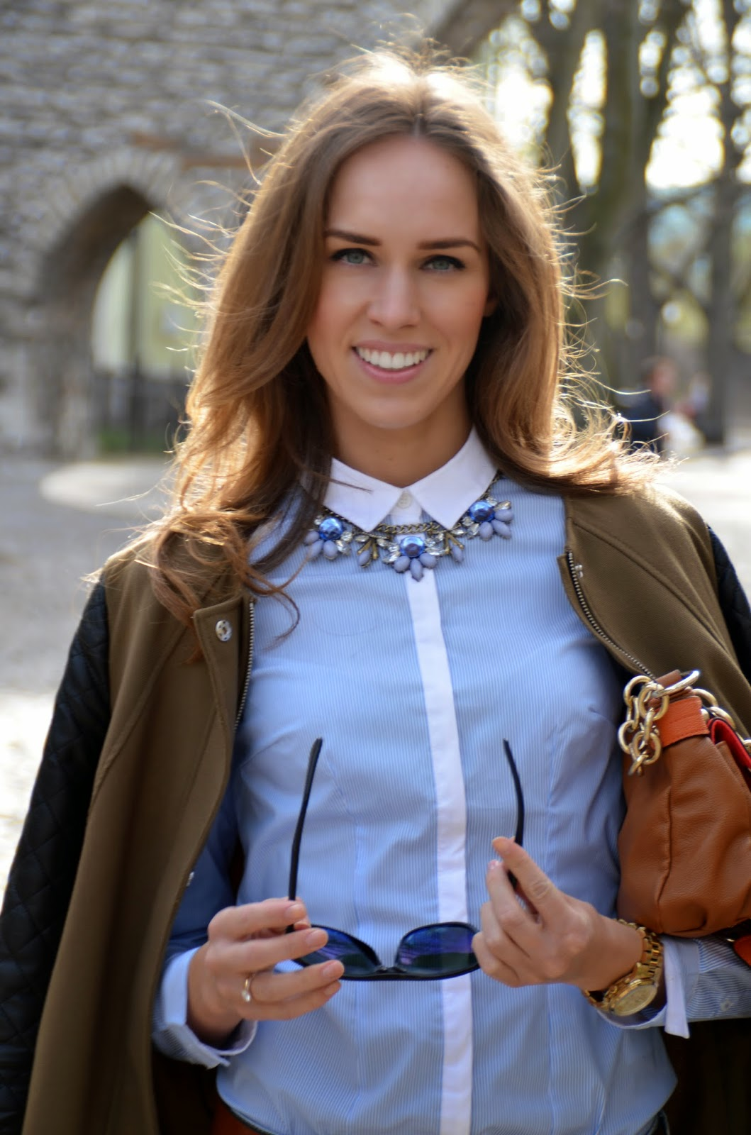 button-up-shirt-blue-statement-necklace