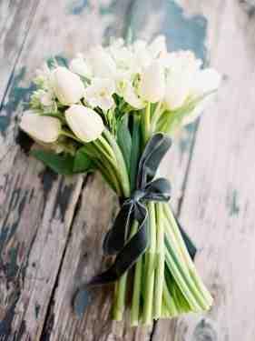 Białe tulipany, bukiet białych kwiatów