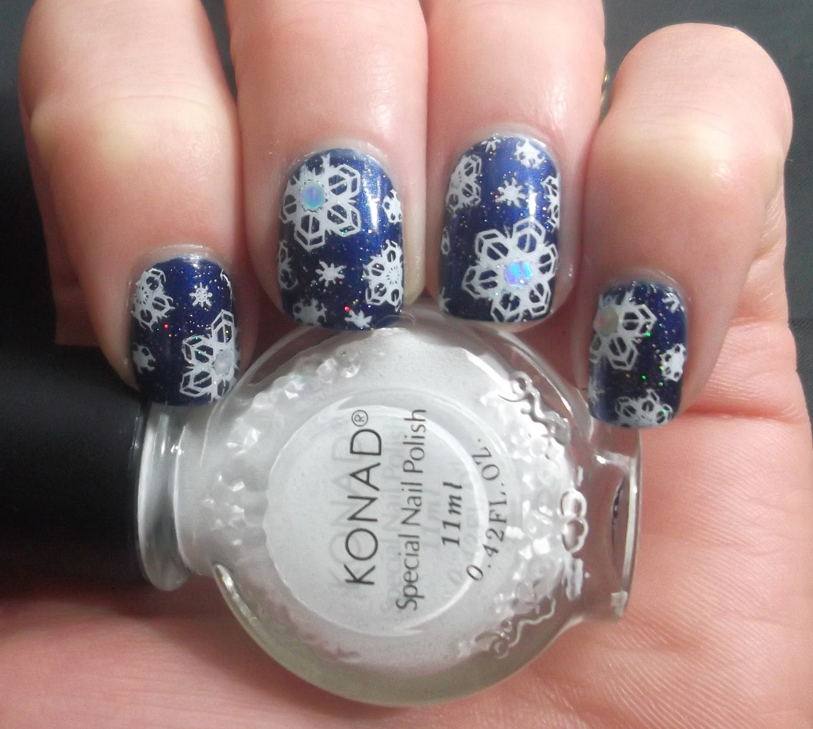 Lou is Perfectly Polished: Christmas Nails: Snowflakes
