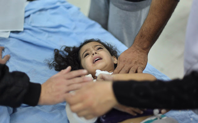 الحرب على غزة Gaza+Under+Fire+%2848%29