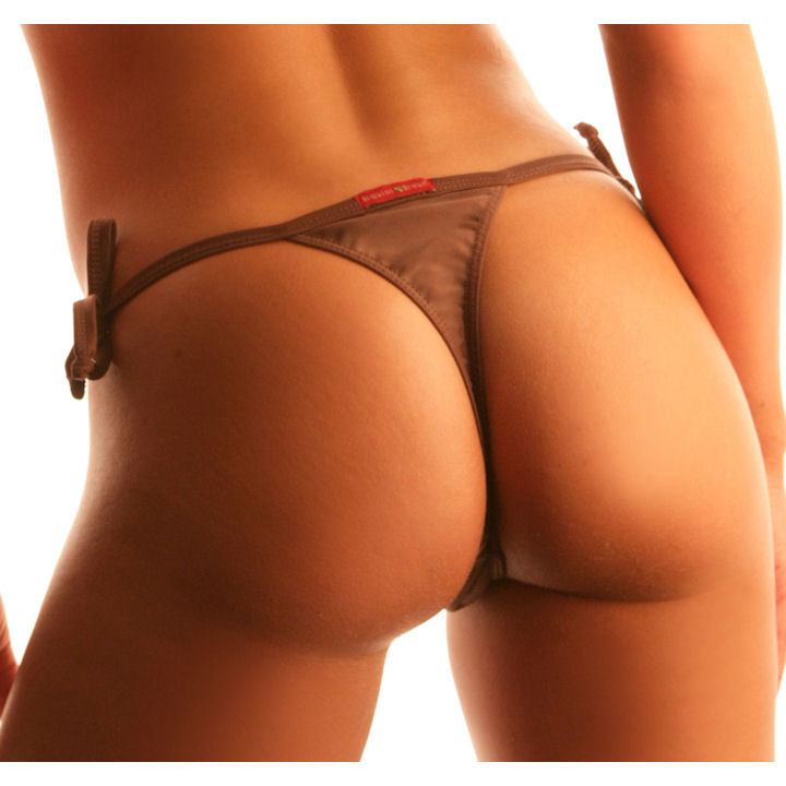 Continuing our celebration of National Buttocks Day, it wouldn't be complete ...