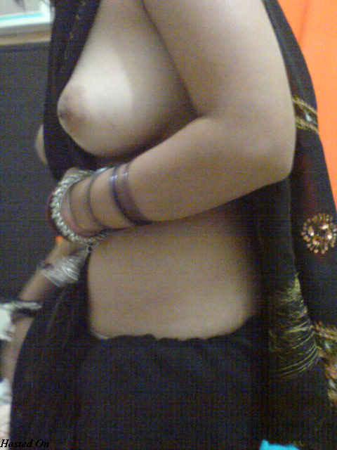 sandhya bhabhi exposing in hotel room   nudesibhabhi.com