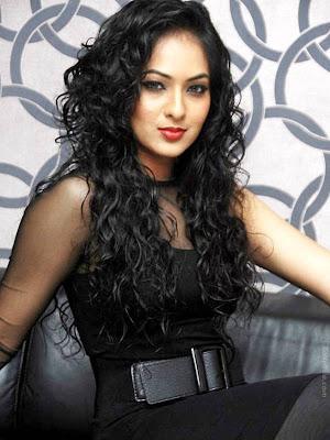 Beautiful Sexy Indian Model Nikesha Patel Photos - Women Naked