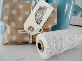 MOMENTAN AUSVERKAUFT: Bakers Twine 100 Yard creme/silber (ohne Deko)