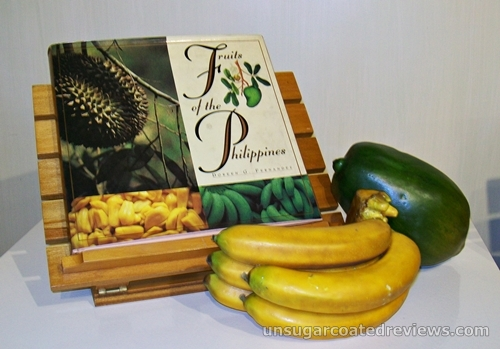 Fruits of the Philippines book by Doreen Fernandez