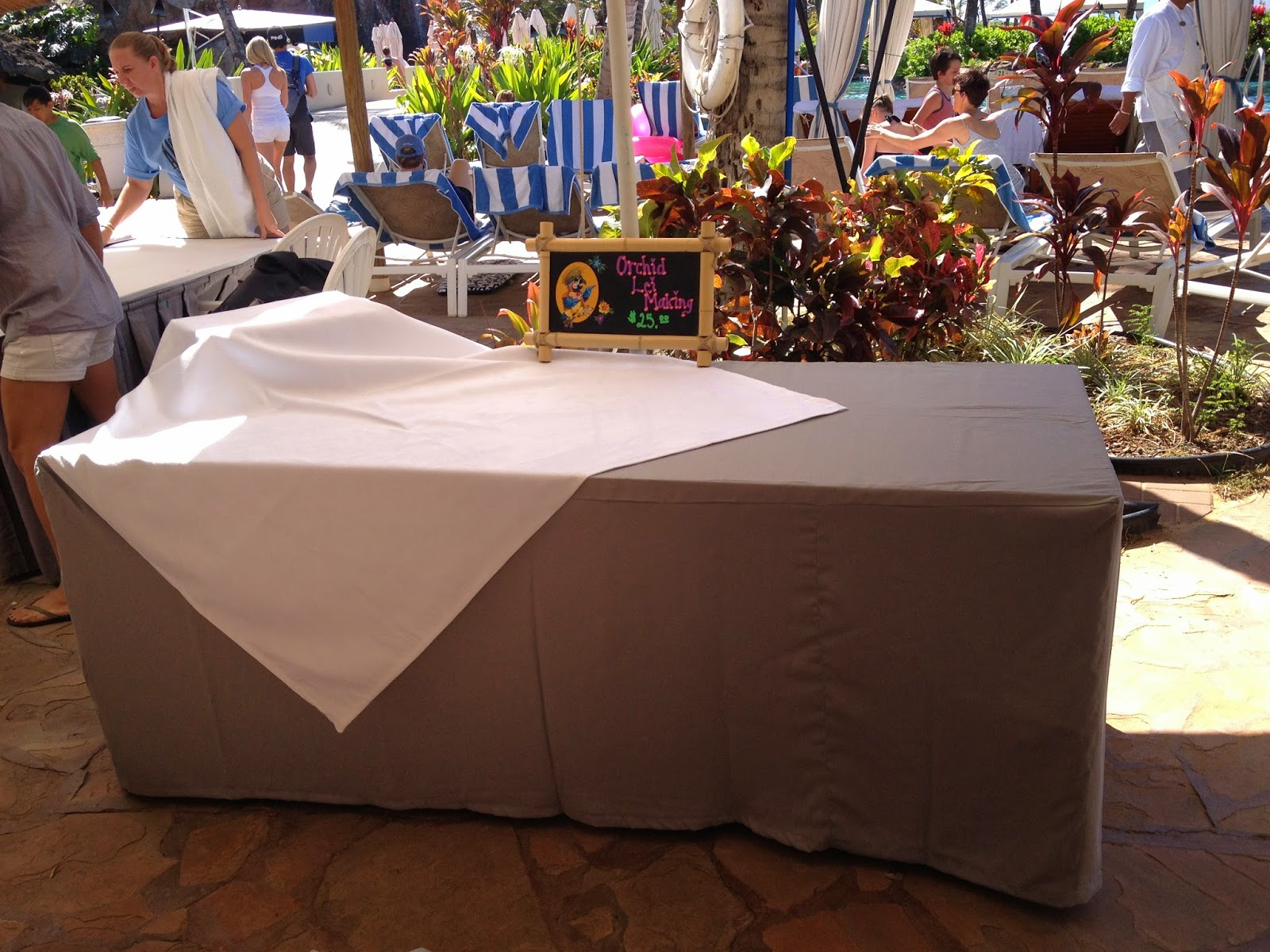 sophie grace maui table cloths