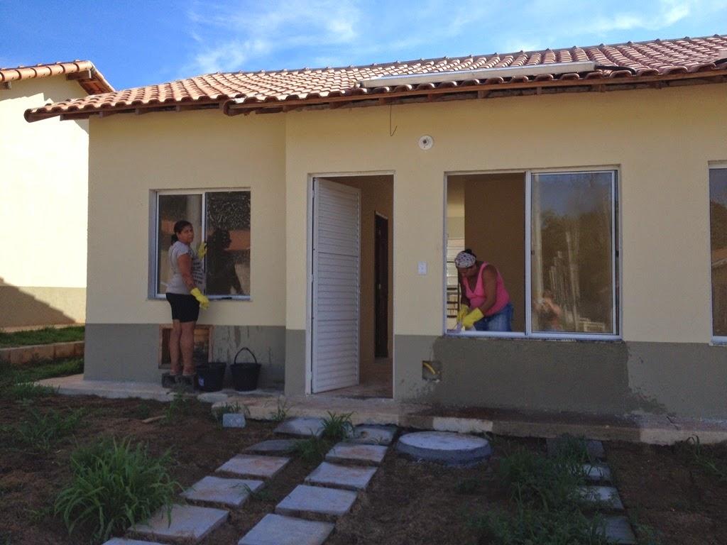 Estado do Rio entrega 215 casas para desabrigados das chuvas em Xerém