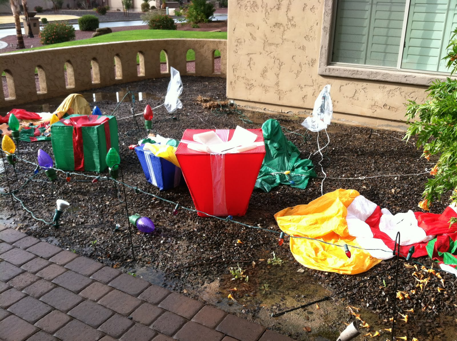 my tacky christmas outdoor decorations