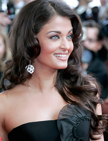 Aishwarya Rai Latest Hairstyles, Long Hairstyle 2011, Hairstyle 2011, New Long Hairstyle 2011, Celebrity Long Hairstyles 2017