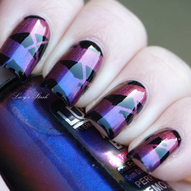 Step By Step Nail Art Using Tape: Ludurana Emocionante Tape Manicure With Step By Step