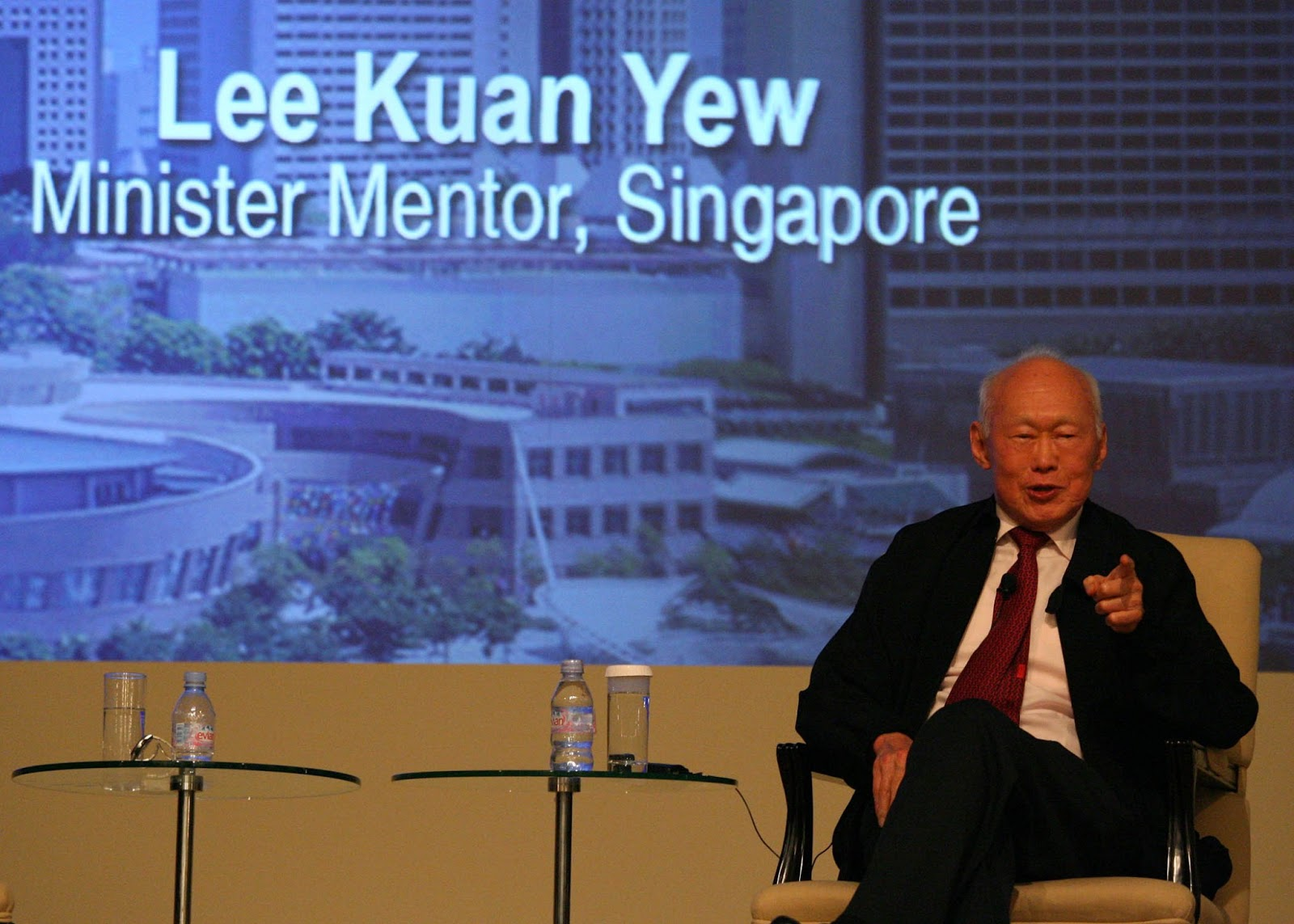 lee kuan yew Lee kuan yew is considered the founding father of modern singapore born harry lee kuan yew in september 1923, he governed singapore over three decades and oversaw its separation from malaysia .