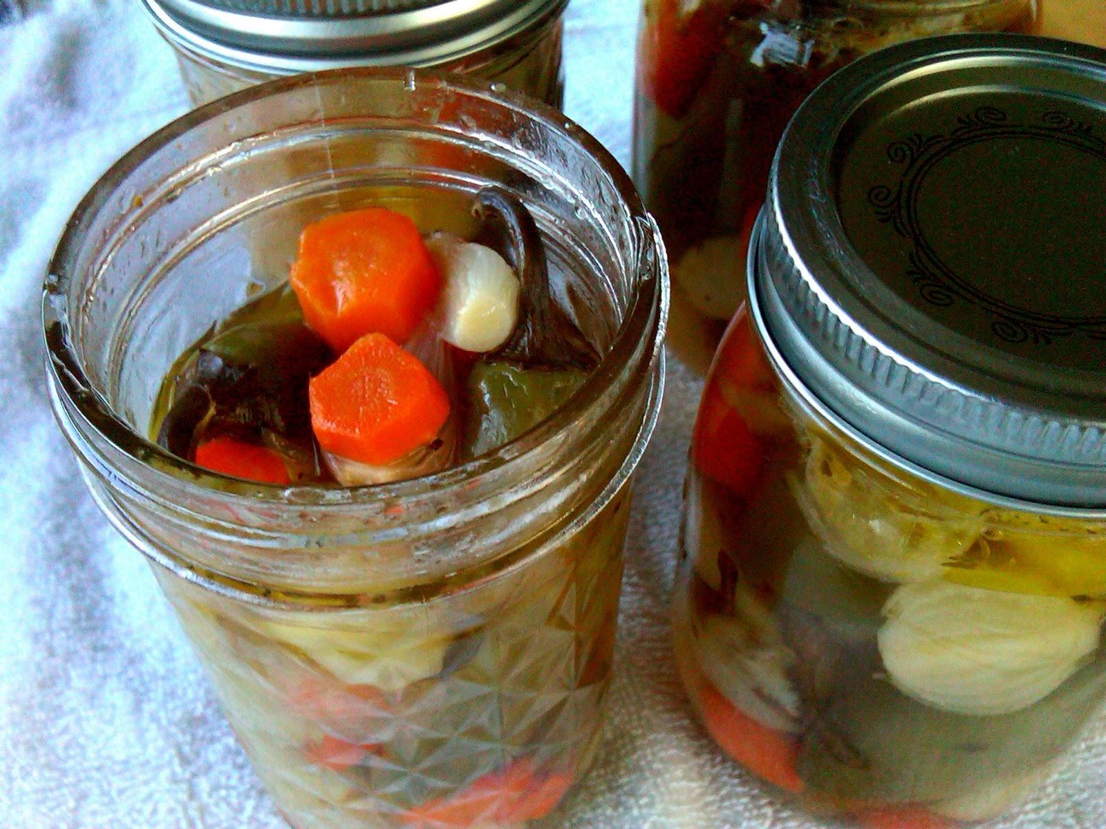 Autumn's Copper Pot: Pickled Jalapenos (aka Escabeche)!