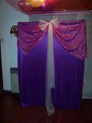 Estructura vestida en telas y tules para desfilar y sacarnos fotos