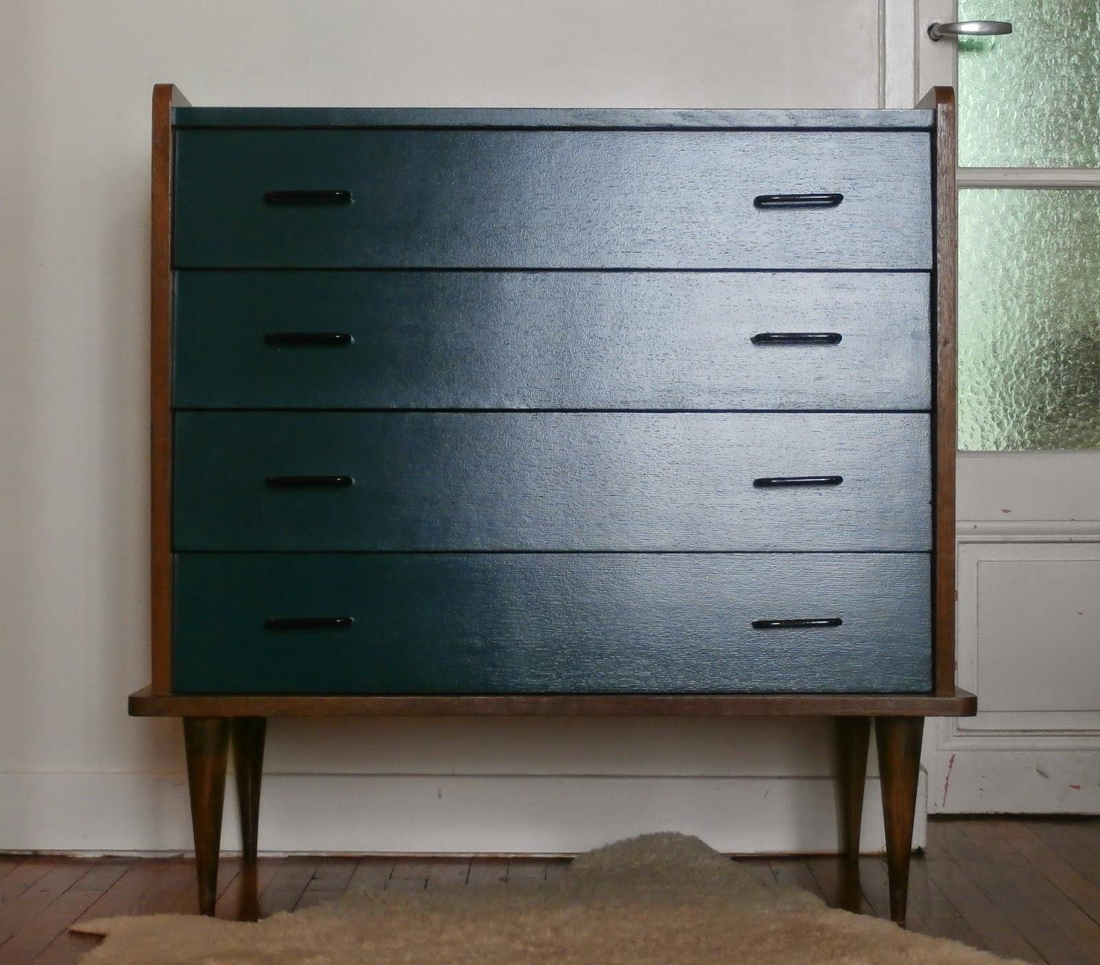 dur e de vie ind termin e commode tiroirs en biais bleu p trole. Black Bedroom Furniture Sets. Home Design Ideas