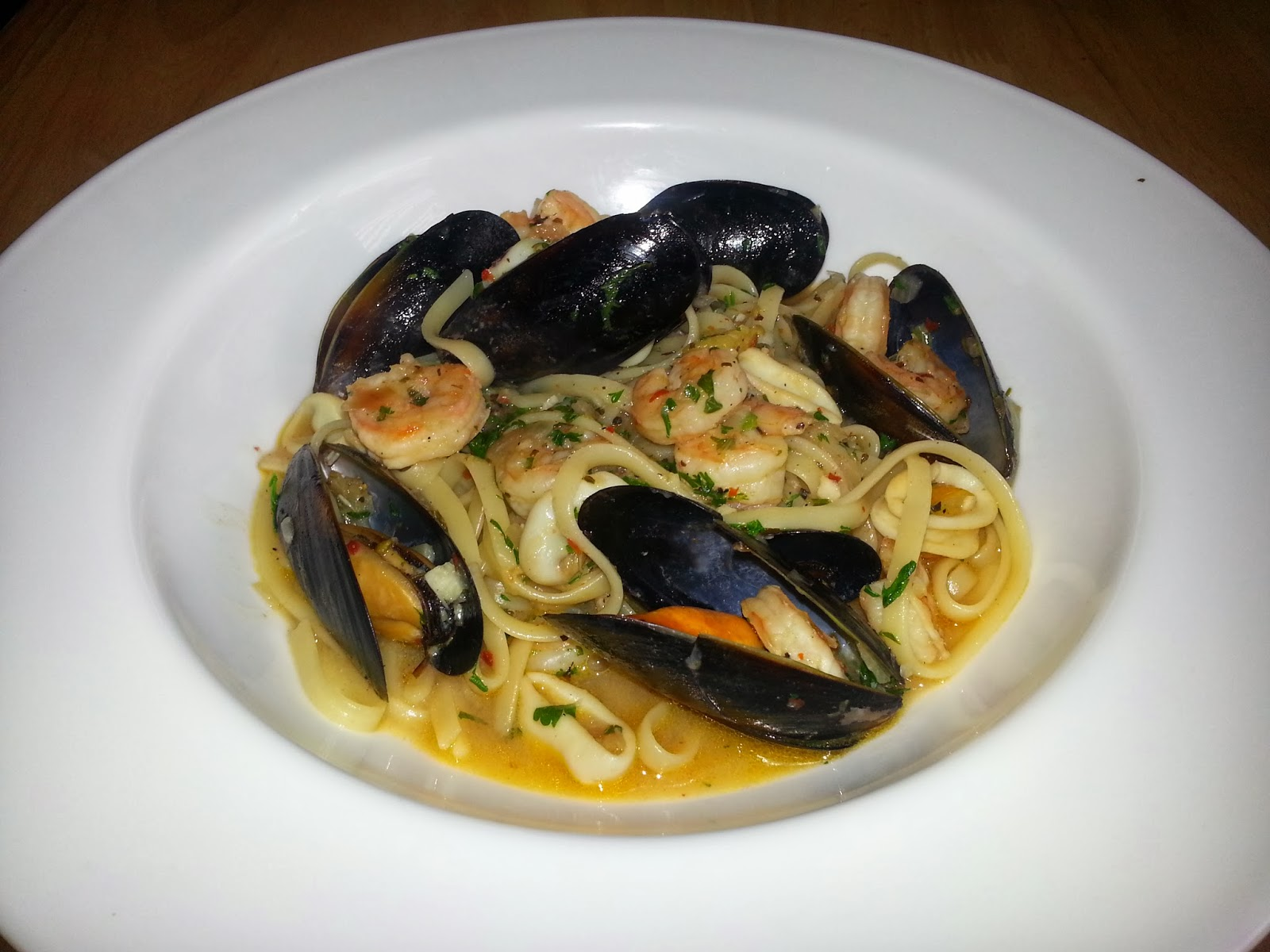 Mussels In White Wine Sauce Recipes — Dishmaps