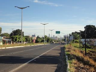 Placas na Av. Leão Sampaio.