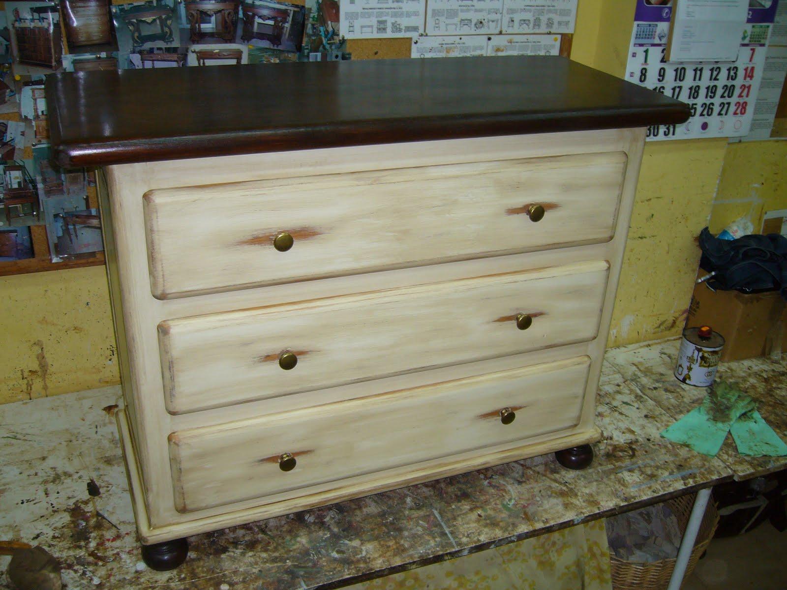 La restauradora muebles patinados algunos trabajos for Pintura de muebles de madera