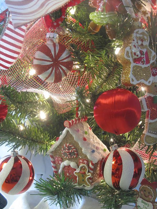 Gingerbread Christmas Tree Skirt