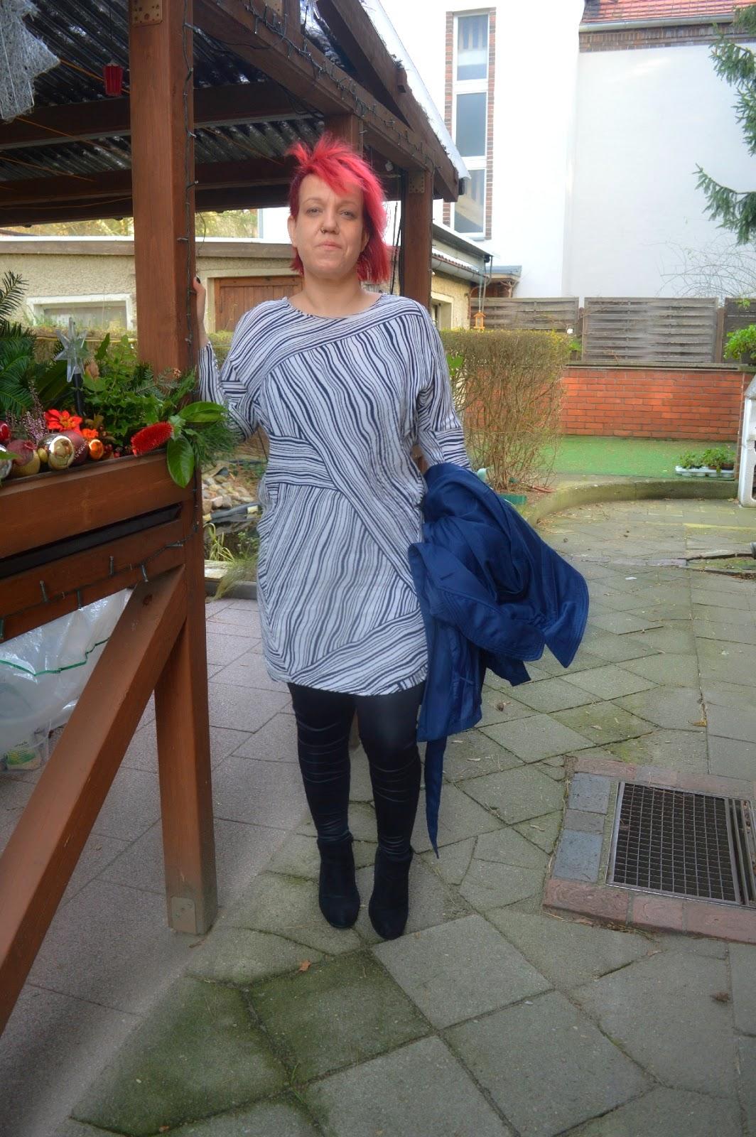 2 Dresses for Christmas - Black & White MANGO Shift Dress 2
