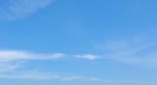 ciel bleu soleil protection solaire