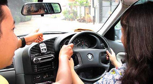 Membuka Usaha Kursus Mengemudi Mobil Dengan Modal Kecil