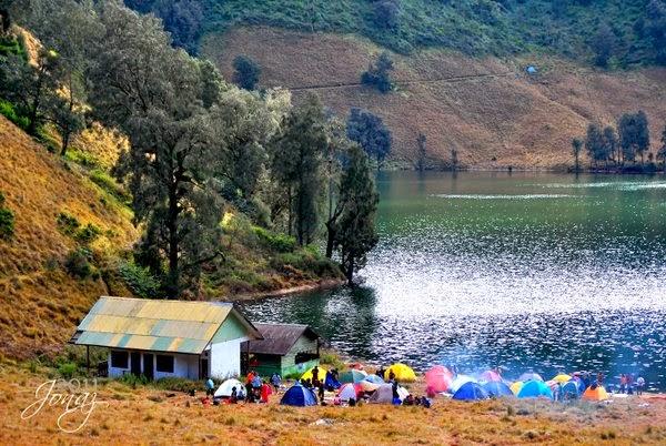 Ranu Kumbolo Sensasi Danau Lereng Semeru