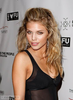Celebrity AnnaLynne McCord Hairstyle Trends for Girls
