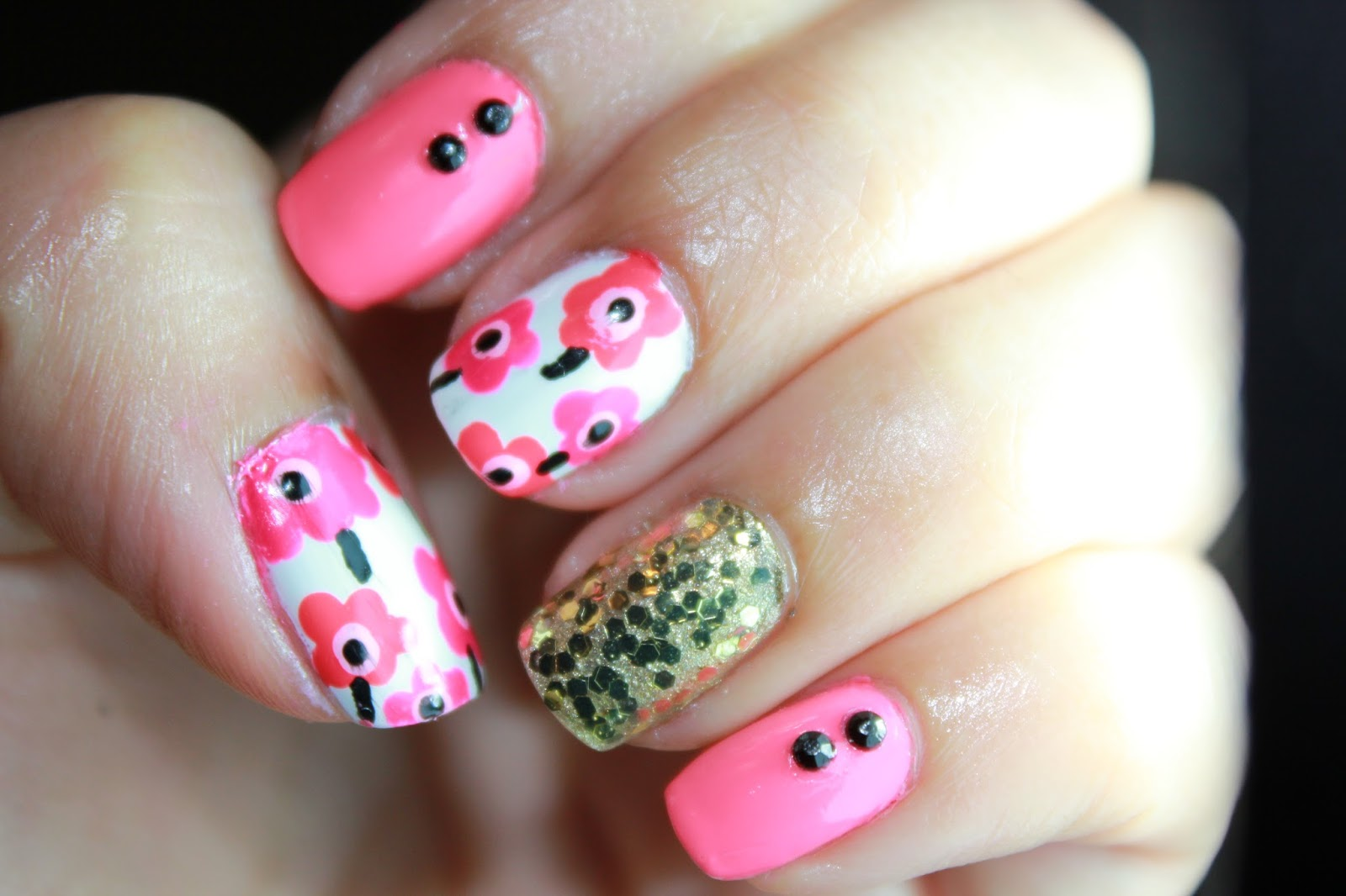Nayelis Crafts The Creative Spot Marimekko Flower Nail Art Recreation