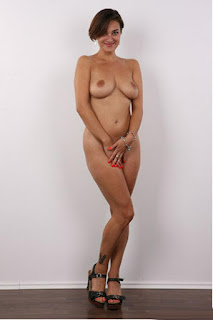 Hot Girl Naked - rs-1zu_39_04445_22-797768.jpg