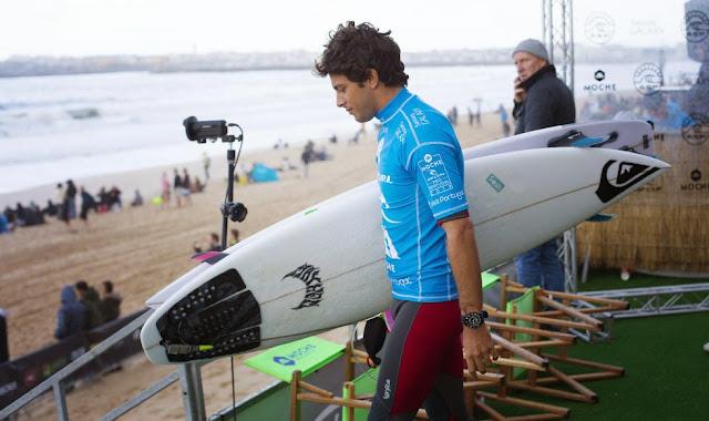 46 2014 Moche Rip Curl Pro Portugal Jeremy Flores Foto ASP Damien%2B Poullenot Aquashot