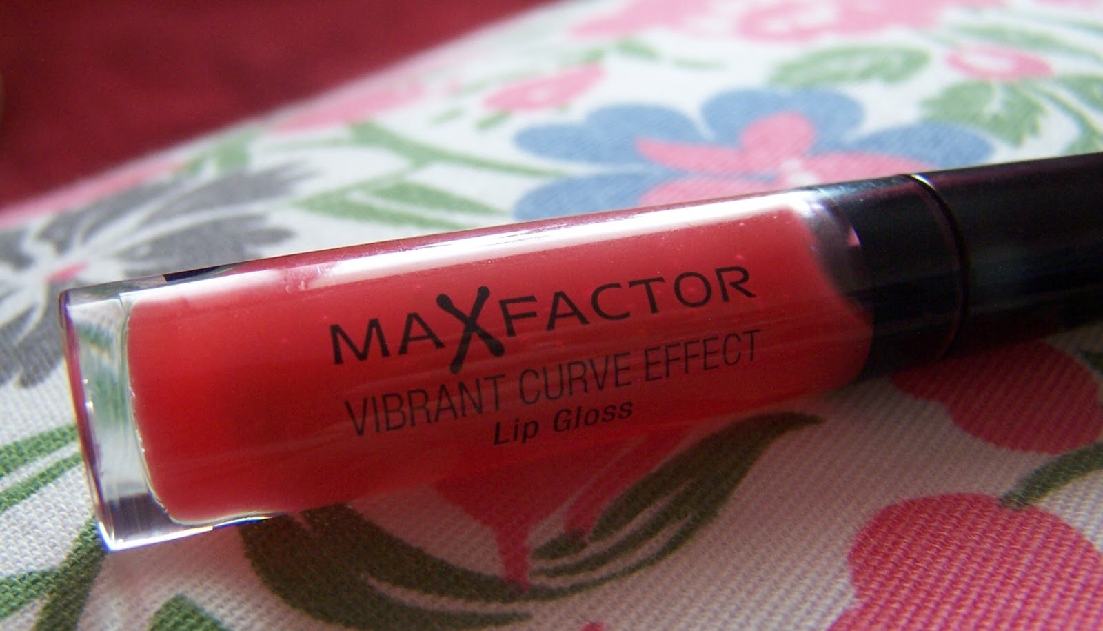 Max Factor Vibrant Curve Effect