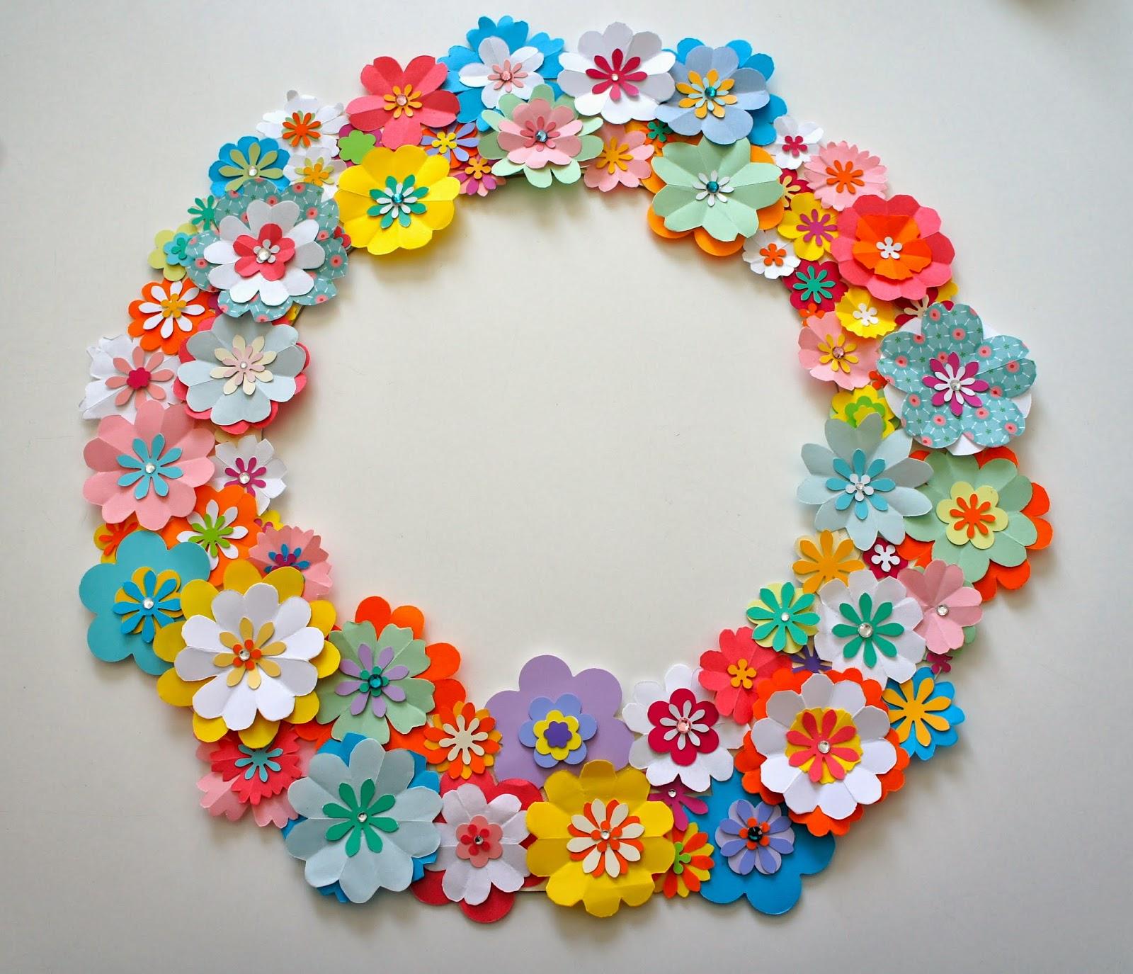 Ideas from the forest wreath of paper flowers - Como hacer coronas de navidad ...