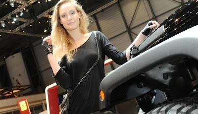 Gambar Mobil Gadis Cantik Geneva Motor Show 2011