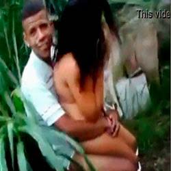 Flagrou a irmã com namorado atrás da escola - http://videosamadoresdenovinhas.com