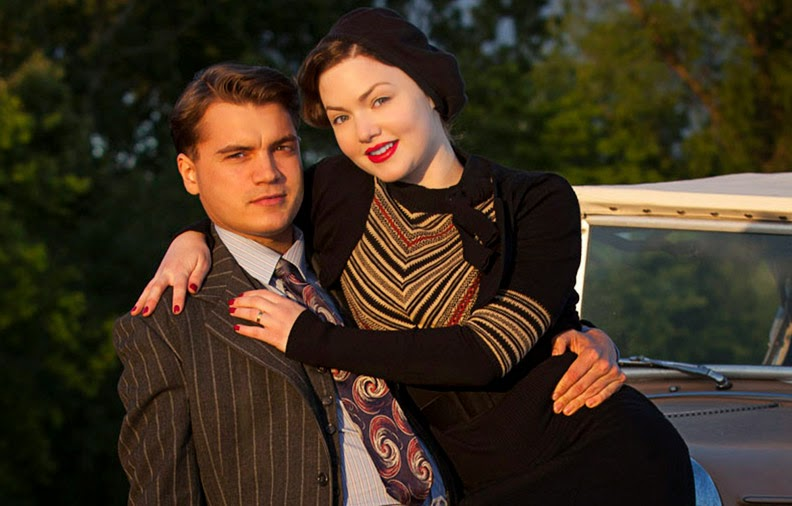 Emile Hirsch interpreta a Clyde y la actriz Holliday Grainger a Bonnie    Holliday Grainger And Emile Hirsch