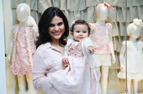 Adesivo Clareador De Dente ~ Aline Barros inaugura loja infantil no Rio de Janeiro