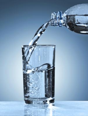 Beberapa manfaat minum air putih kesehatan