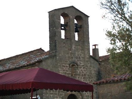 El campanar d'espadanya de Sant Sadurní de Fonollet