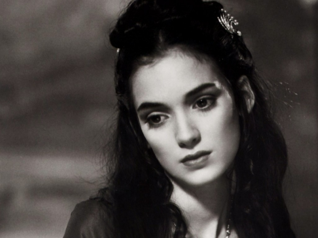 http://2.bp.blogspot.com/-CPy1jEwGZ2w/TswSB0v9xhI/AAAAAAAAIA4/BzsvYCM9jjQ/s1600/american-actress-winona-ryder-wallpaper-3.jpg