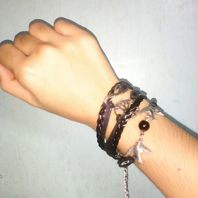 http://www.dresslink.com/new-unisex-mix-infinity-manual-multilayer-leather-cord-bracelet-love-bird-bead-bangle-p-14689.html?utm_source=blog&utm_medium=banner&utm_campaign=lexi459