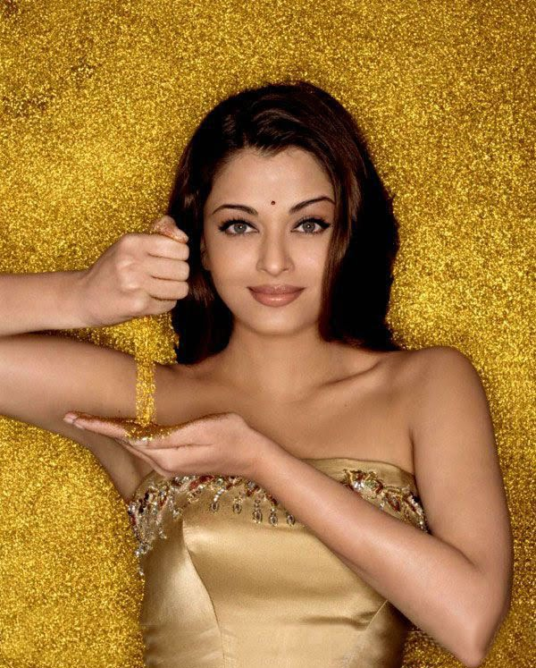 Ashwariya rai golden dress hot still
