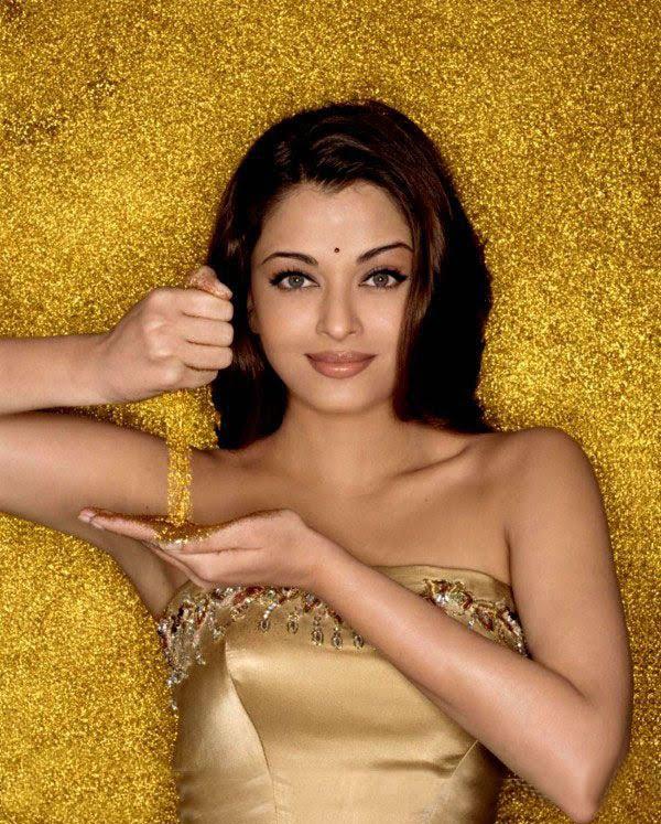 Ashwariya rai golden dress hot still