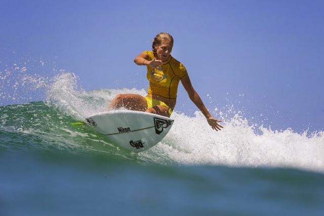 25 Roxy Pro Gold Coast 2015 Stephanie Gilmore Foto WSL Kelly Cestari